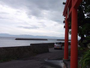 切目王子神社-2 海の向こうは薩摩半島