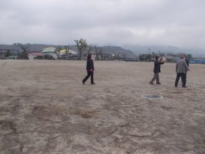 校庭は野球,サッカー、陸上競技、水はけばっちりです。