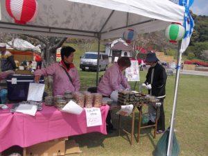 佐土原桜祭り、漬物、銀杏おこわ販売中