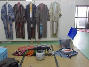 土人形展、心うきうき着物の準備-1