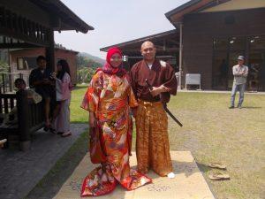 先生もバルカ氏も日本の着物ガ大好き