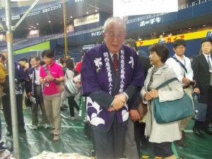 鹿児島県人会稲盛会長が各ブースを見学されました。