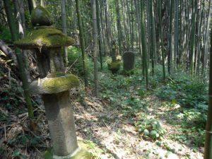 川上、町田家老の墓