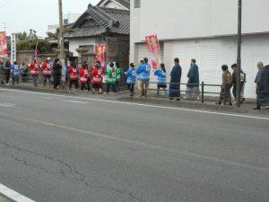 パレード、みんな自前の大島紬です-1