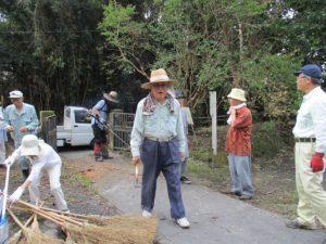 史談会、島津墓地清掃-1